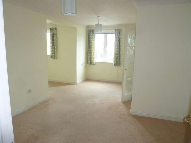 1 Bedroom Flat for sale in Bythesea Road, Trowbridge