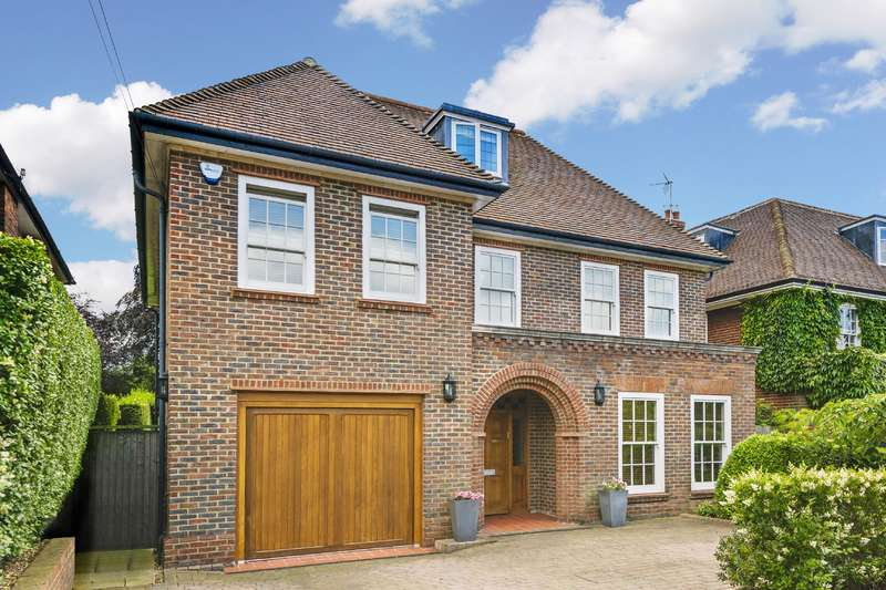 5 Bedrooms Detached House for sale in Holne Chase, Hampstead Garden Suburb