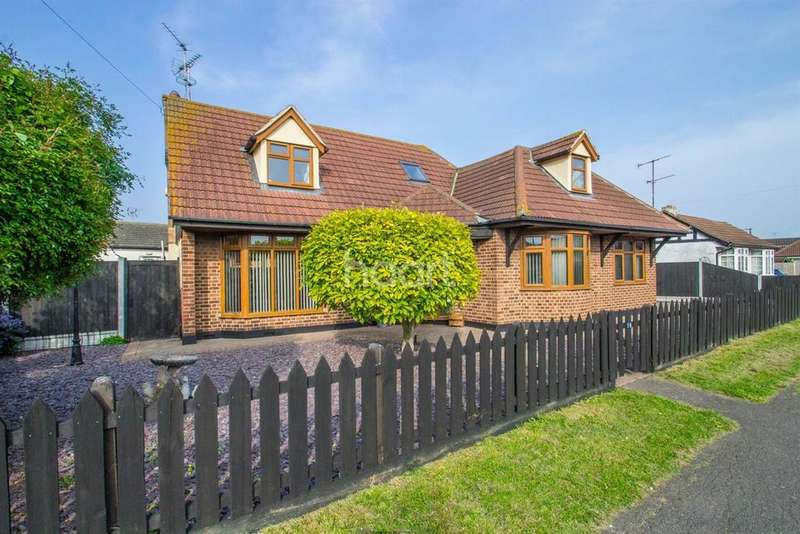 6 Bedrooms Detached House for sale in Wittem Road, Canvey Island