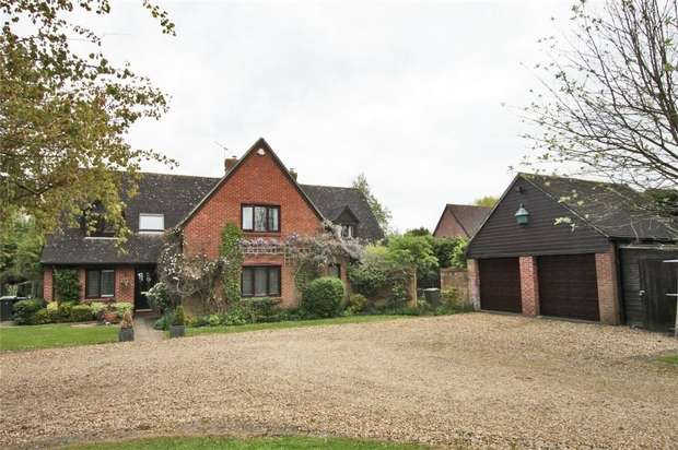 5 Bedrooms Detached House for sale in Littlemere House, 6 Strongs Close, Keevil, Wiltshire