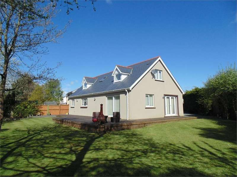 4 Bedrooms Detached House for sale in 18 Brookside Avenue, Johnston, HAVERFORDWEST, Pembrokeshire