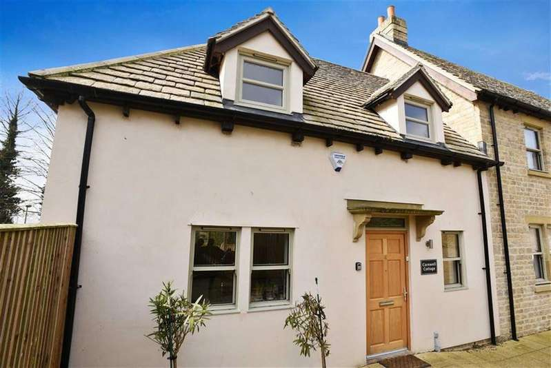 3 Bedrooms Semi Detached House for sale in Manor Gardens, Chipping Norton, Oxfordshire