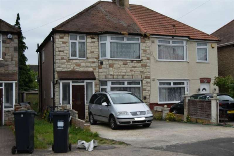 3 Bedrooms Semi Detached House for sale in Ferndale Avenue, Hounslow, Greater London
