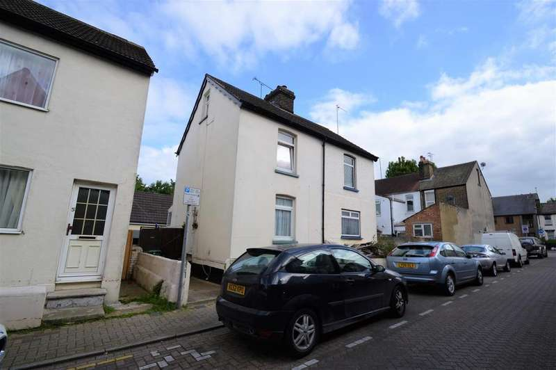2 Bedrooms House for sale in Gorst Street, Gillingham