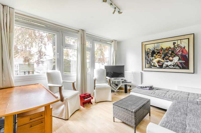 3 Bedrooms Maisonette Flat for sale in Kingslee Court, Sutton, SM2