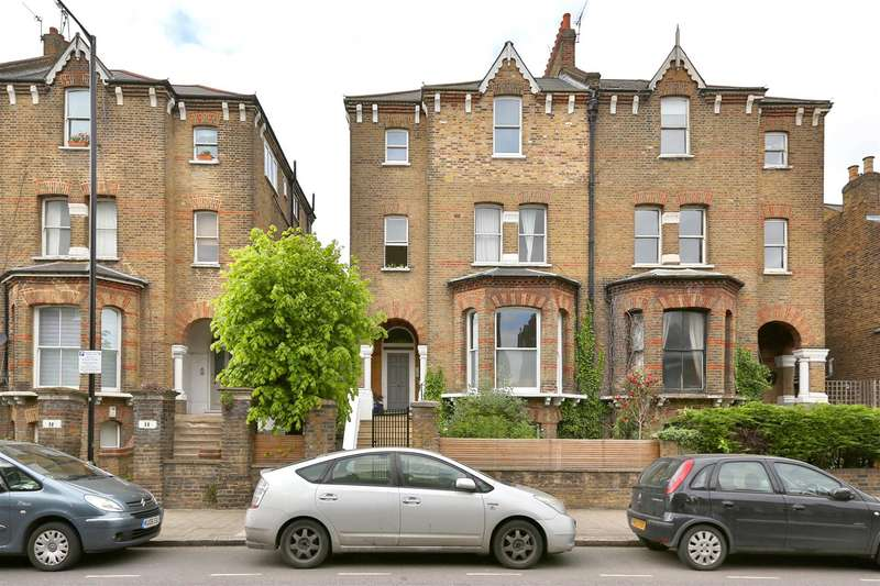 2 Bedrooms Flat for sale in Lordship Park, London
