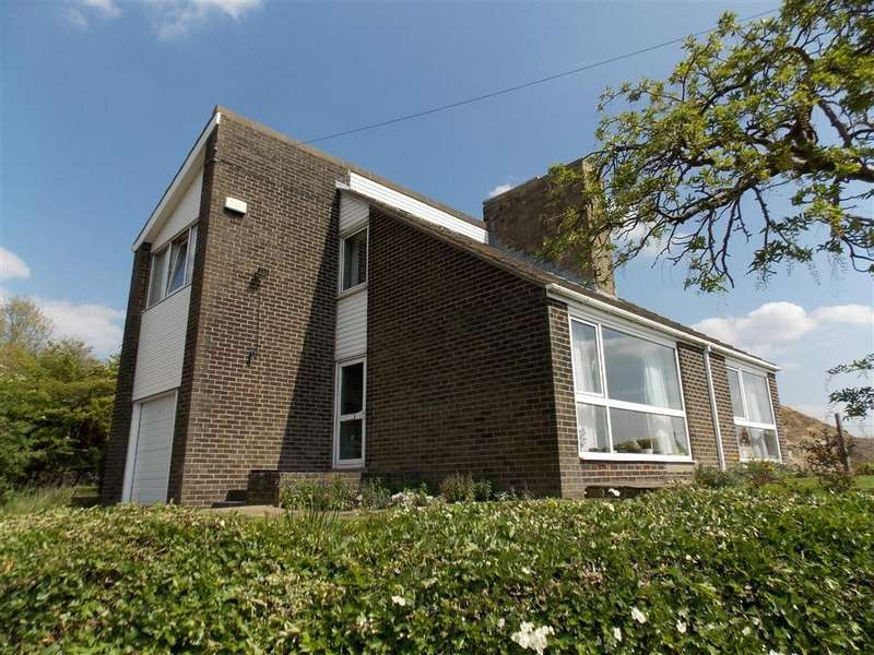 3 Bedrooms Detached House for sale in Foxroyd Lane, Thornhill, Wakefield, WF12