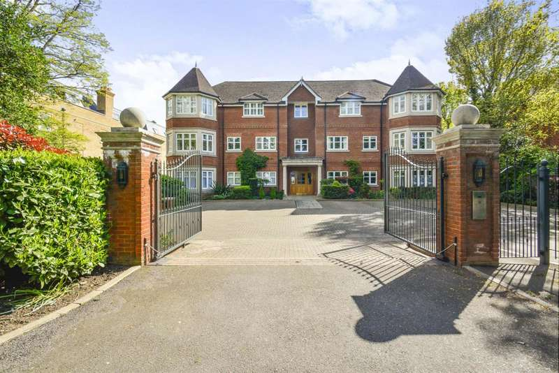 2 Bedrooms Apartment Flat for sale in Warbeck House, 46 Queens Road, Weybridge