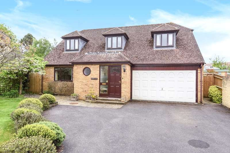 4 Bedrooms Detached House for sale in Church Close, Farmoor, Oxford, OX2