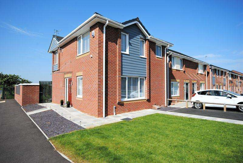 3 Bedrooms Detached House for sale in Edgehill Park, Moreton