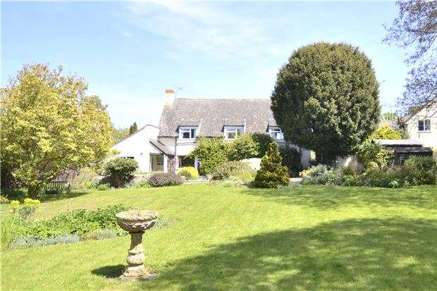 3 Bedrooms Detached House for sale in Apple Orchard, Witcombe, Gloucester, GL3 4TU