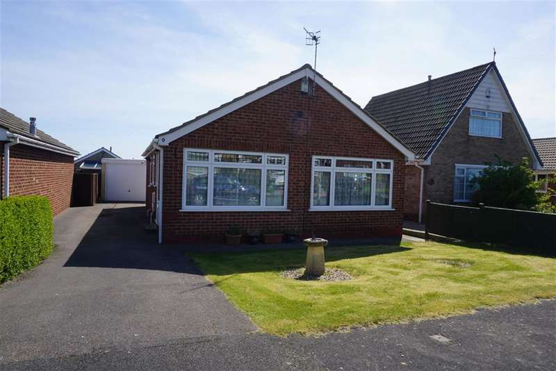 3 Bedrooms Detached Bungalow for sale in Fenton Close, Osgodby, Scarborough, YO11 3QS