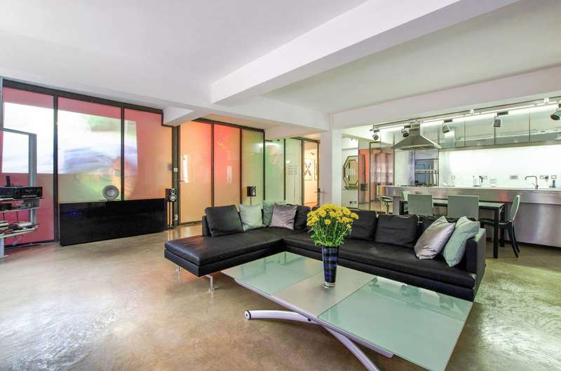 2 Bedrooms Flat for sale in Gullivers Wharf, Wapping, E1W