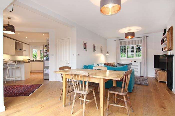 4 Bedrooms Semi Detached House for sale in Putney Park Lane