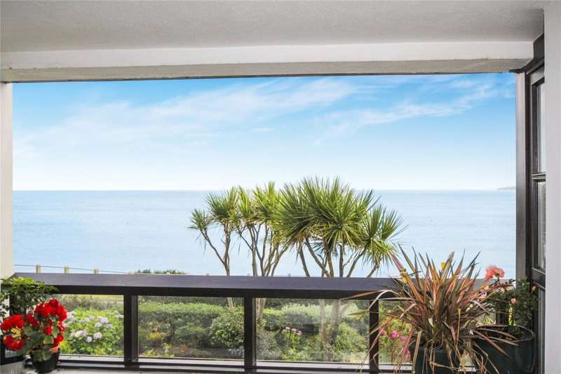 2 Bedrooms Flat for sale in Devington Court, Falmouth, Cornwall