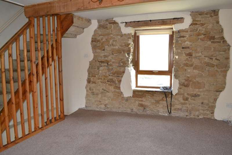 2 Bedrooms Stone House Character Property for sale in Clogg Head, Trawden BB8