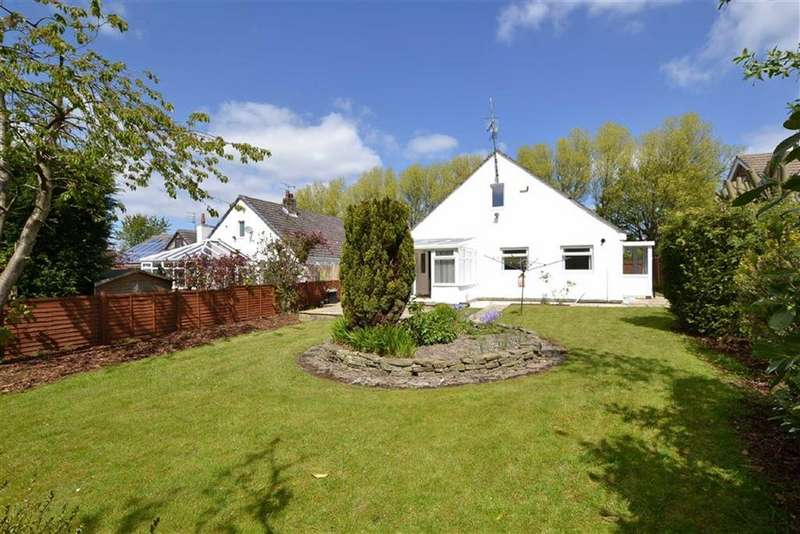 3 Bedrooms Detached Bungalow for sale in Victoria Road, Padiham, Lancashire
