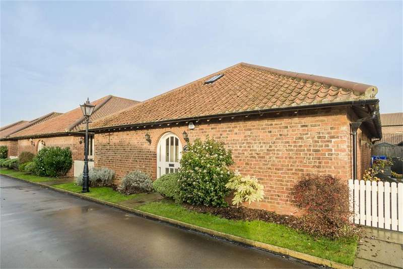 3 Bedrooms Barn Conversion Character Property for sale in Enholmes Lane, Patrington, East Riding of Yorkshire