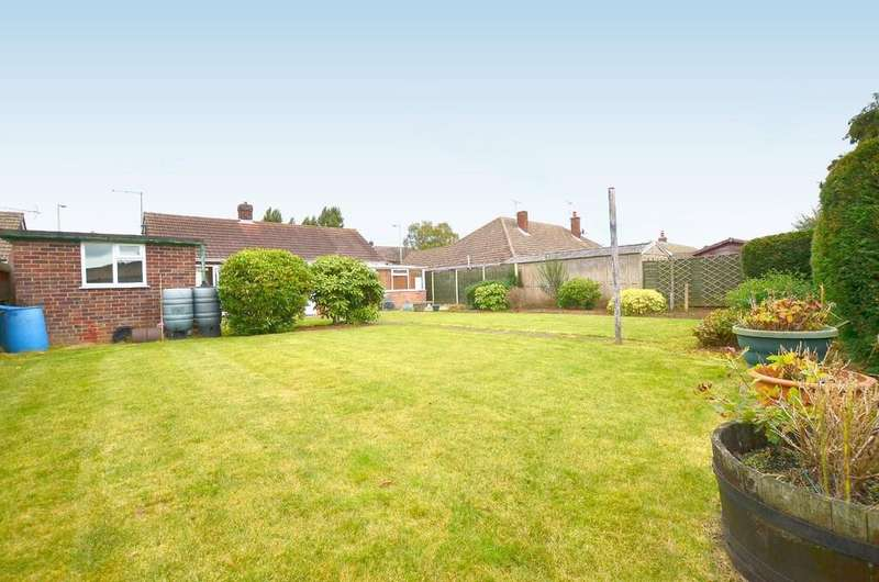 2 Bedrooms Detached Bungalow for sale in Penzance Road, Kesgrave