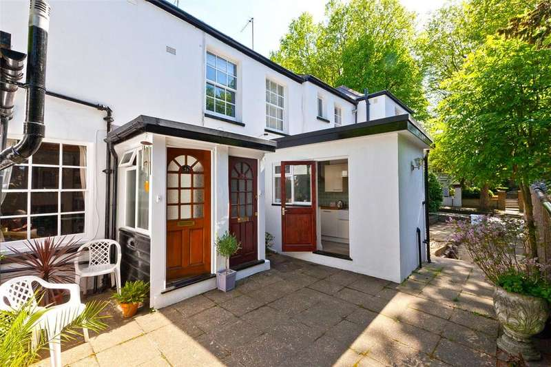 2 Bedrooms Flat for sale in North Hill, London, N6