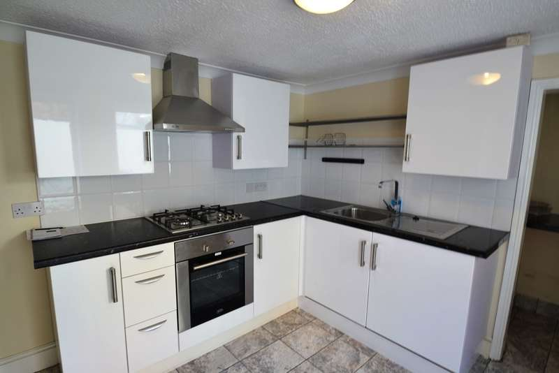 3 Bedrooms Maisonette Flat for rent in Southbourne