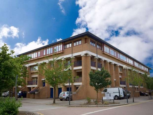 1 Bedroom Flat for sale in North Fourteenth Street, Central Milton Keynes, Buckinghamshire