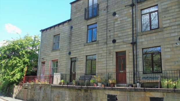 1 Bedroom Apartment Flat for sale in Clewer Place Walsden Todmorden