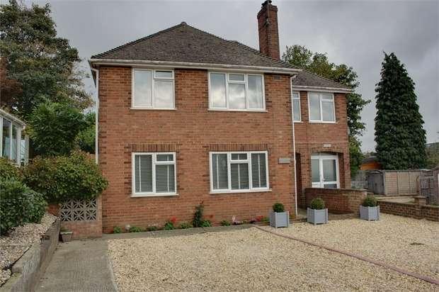 2 Bedrooms Ground Maisonette Flat for sale in Hillside Lane, Farnham, Surrey