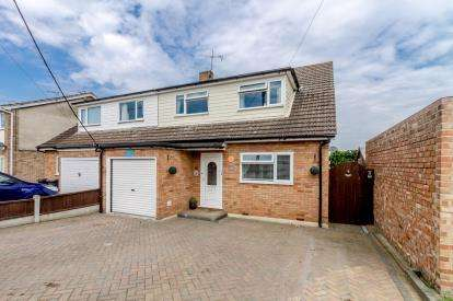 3 Bedrooms Semi Detached House for sale in Hullbridge, Essex, United Kingdom