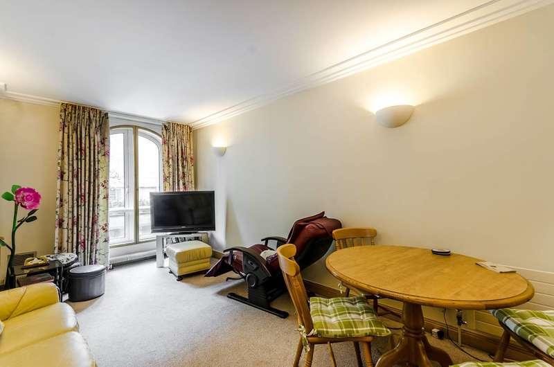 1 Bedroom Flat for sale in Upper St Martins Lane, Covent Garden, WC2H