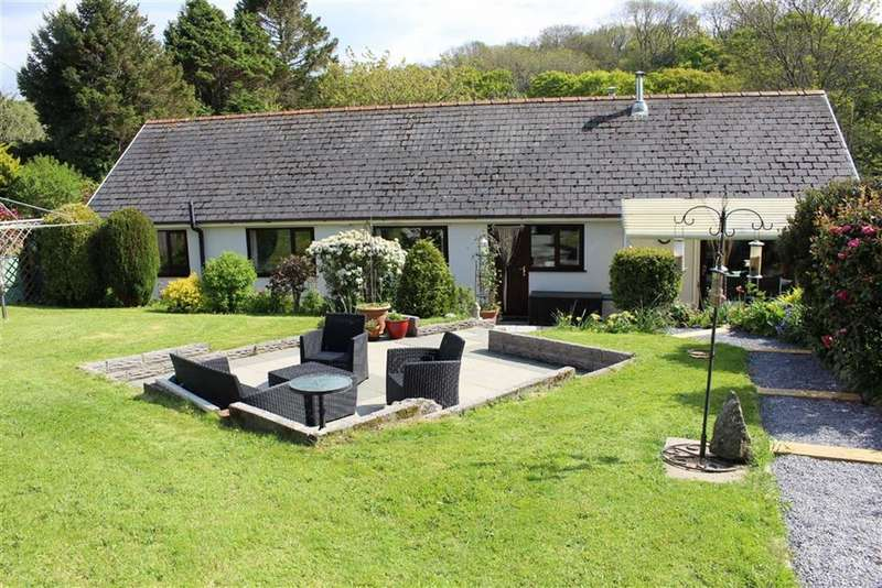 5 Bedrooms Detached Bungalow for sale in Wernffrwd, Llanmorlais
