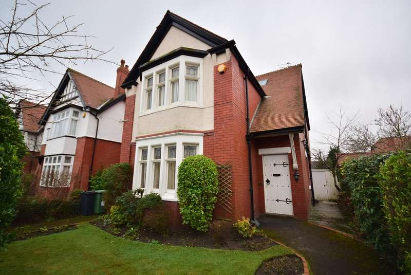 4 Bedrooms Detached House for sale in Clarendon Road, LYTHAM ST ANNES, FY8