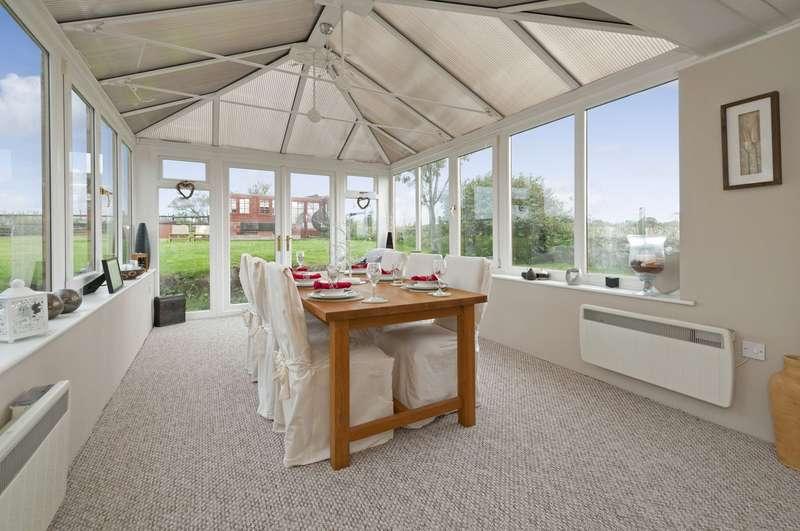 4 Bedrooms Detached House for sale in Blind Lane, Mersham, Ashford TN25