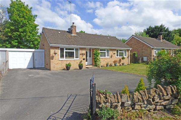 3 Bedrooms Detached Bungalow for sale in Kamar, The Batch, Wincanton