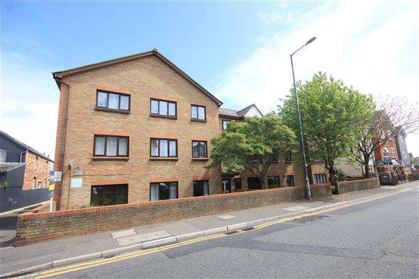 1 Bedroom Apartment Flat for sale in Seabourne Road, Bournemouth