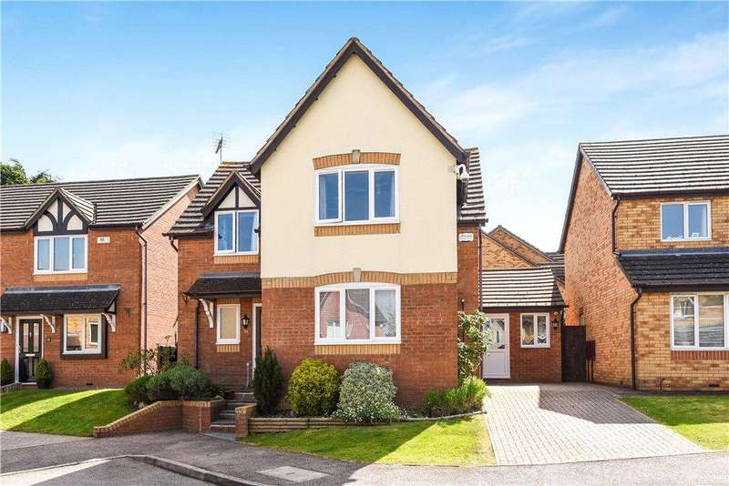 4 Bedrooms Detached House for sale in Newbolt Close, Newport Pagnell, Buckinghamshire