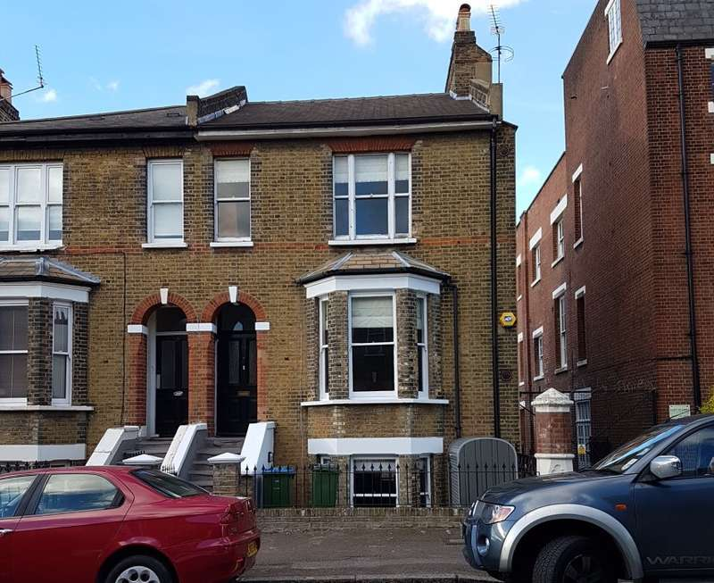 3 Bedrooms Semi Detached House for sale in Devonshire Drive, Greenwich, London, SE10 8JZ