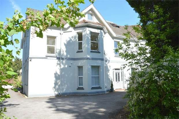 1 Bedroom Flat for sale in Cavendish Road, Dean Park, Bournemouth