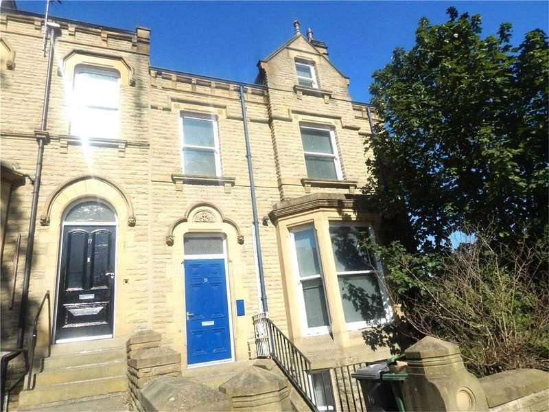 9 Bedrooms Terraced House for rent in Belmont Street, Huddersfield, West Yorkshire, HD1