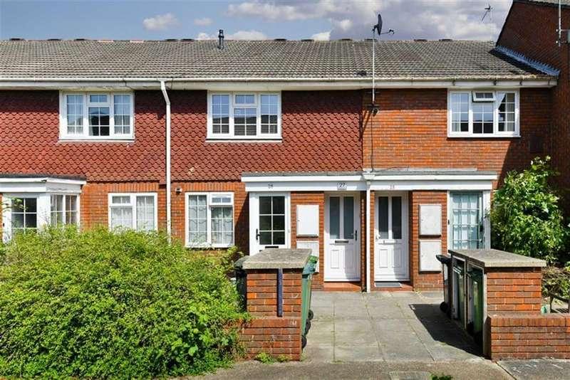 1 Bedroom Flat for sale in Delaporte Close, Epsom, Surrey