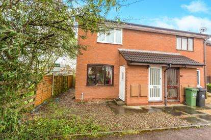 1 Bedroom Maisonette Flat for sale in Masons Drive, Blackpole, Worcester, Worcestershire