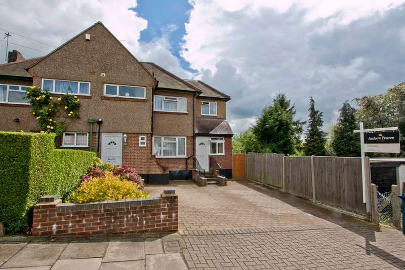 3 Bedrooms Semi Detached House for sale in Lyndhurst Avenue, Pinner