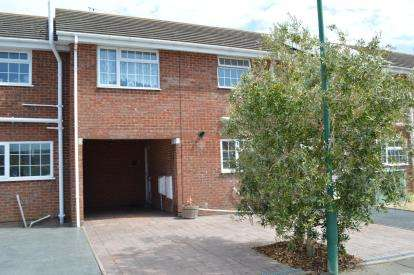 4 Bedrooms Terraced House for sale in Throop, Bournemouth, Dorset