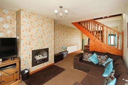 2 Bedrooms Semi Detached House for sale in Neale Street, Clowne, Chesterfield, Derbyshire