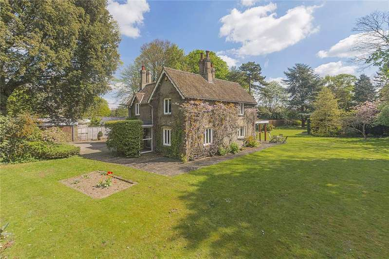 5 Bedrooms Detached House for sale in Granhams Road, Great Shelford, Cambridge, CB22