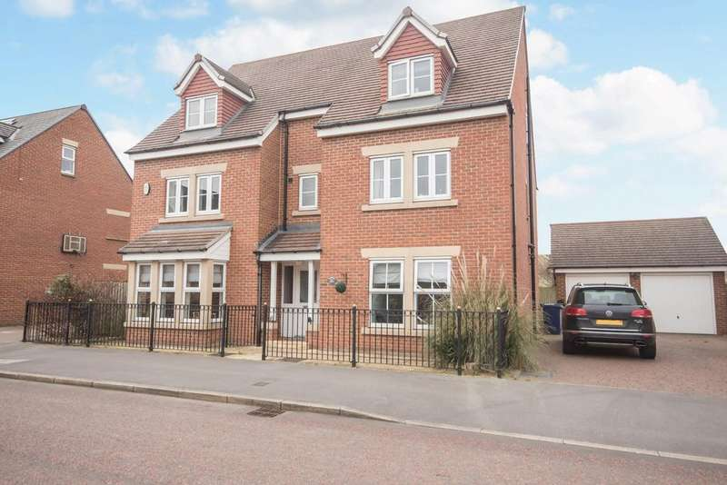 6 Bedrooms House for rent in Barmoor Drive, Great Park, Gosforth NE3