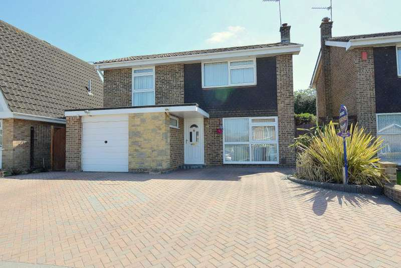 4 Bedrooms Detached House for sale in Bearwood, Bournemouth