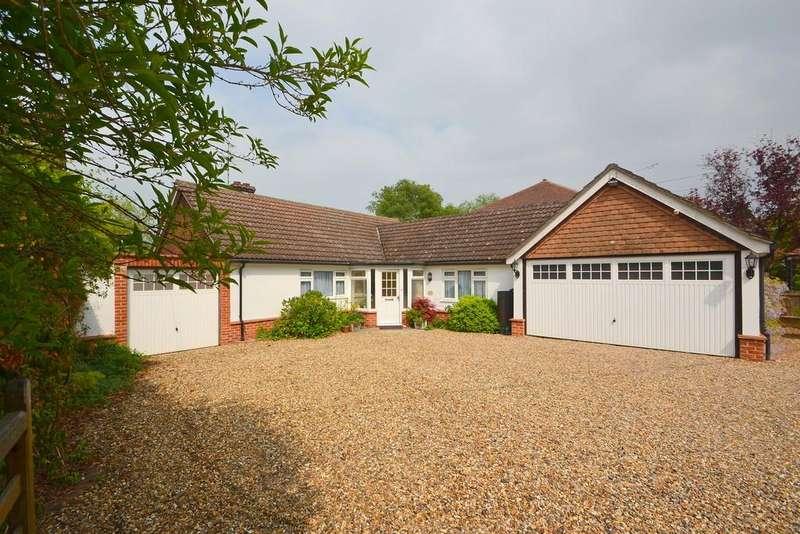 3 Bedrooms Detached Bungalow for sale in East Hanningfield Road, Howe Green