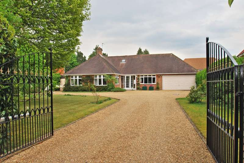 2 Bedrooms Detached Bungalow for sale in Blackpond Lane, Farnham Common, SL2