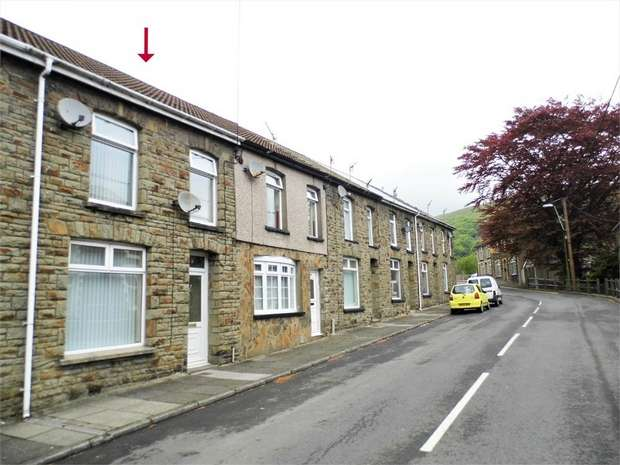 4 Bedrooms Terraced House for sale in 8 Prospect Place, Ogmore Vale, Bridgend, Mid Glamorgan